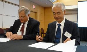 US ITER Director Ned Sauthoff and ITER Director-General Osamu Motojima